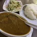 アジアご飯とお酒のお店 Shapla 神田店 - チキンチリカレー+ライスセット 990円