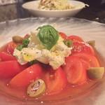 伊達なおもてなしDUCCA - 奇跡のトマトのカプレーゼ。美しい!