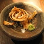 懐石料理 他人吉 - 白焼きと骨せんべい