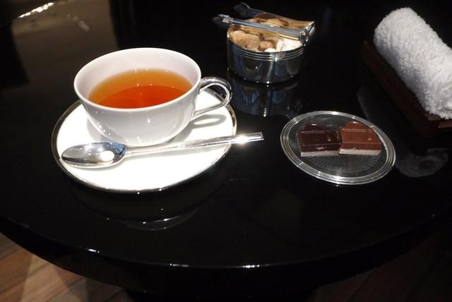 ピュイフォルカ シャンパンバー HERMES 銀座店 - 紅茶にしました