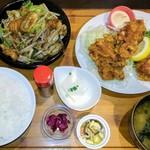 フルカワ食堂 - ハーフ&ハーフ定食(モツ、唐揚げ)