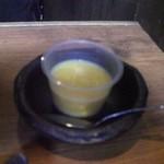 ヂンギス邸 - デザートの自家製マンゴープリン