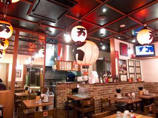 万世麺店 霞が関ビル店 - 「千と千尋の神隠し」みたいな雰囲気……。
