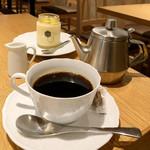 銀座みもざ館カフェ - デザートセット(税込1,000円) 銀座みもざ館 特製はちみつプリンとコーヒー