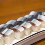 弥助寿司 - 2019.10 さんま寿司(1本1人前 700円)