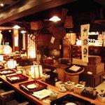 復興支援酒場 - 店内は江戸の情緒と古民家をイメージ