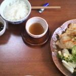 旬菜七草 - 焼肉定食・デザート・コーヒー付き800円