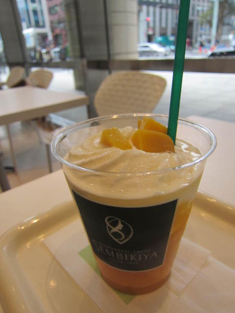 カフェ・ディ・フェスタ - マンゴーシェイク(\450)