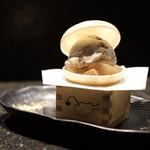 KINKA sushi bar izakaya - あんちゃんモナカアイス