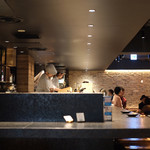 KINKA sushi bar izakaya - モダンな店内