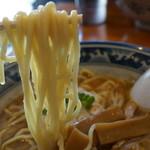 岩鷲 - 北上市では珍しい低加水気味のストレート麺