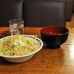 森のボナペティ - 最初にキャベツと味噌汁