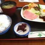 11819936 - ハンバーグ定食?