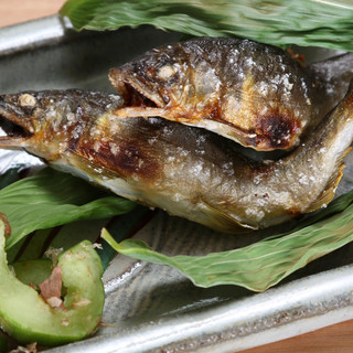 季節を映したお料理を。一つ一つ展開されていくコースで味わう