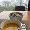大黒千牛レストラン 頂 - 料理写真:ヘ レ (100g)¥2,500に付いているスープとサラダ