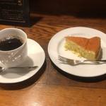 苺館 - レモンのスフレケーキとコーヒーセット 650円