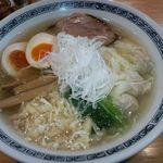 てんくう - 塩ワンタン麺 味玉入り ¥860