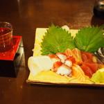 嘉平 - 料理写真:冷酒(黒牛) & お造り盛り合わせ