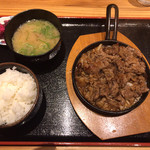 あしたの家族 - 料理写真:牛焼肉定食(¥750)