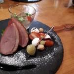 酒仙の宿 晩 - カプレーゼ オリーブ+カモロースト+野菜の和風ジュレ