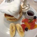 Butter - ミックスフルーツのホワイトタワー