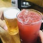 118232989 - トマチューちゃうけど                       赤いドリンクで乾杯!!