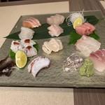 118239625 - 特選造り盛:鮮魚12種(写真は3人分)