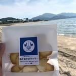 118240718 - 塩とお芋のクッキー プレーン(塩) 300yen(バックは伯方塩業株式会社 大三島工場)