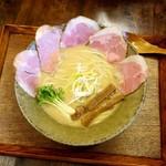 若葉 - 料理写真:白湯そば