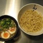 麺屋 九秀 - 九秀式豚つけ麺(並)+味付玉子