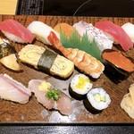 おやじすし一喜 - まる得ランチのお寿司 14貫