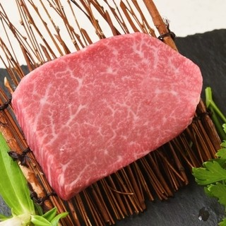 ●特選リブロース●当店イチオシA4ランク和牛雌の肉本来の旨味