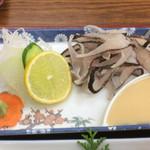 弁天会館 - 虹鱒の背越しは酢味噌で
