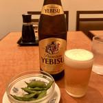 118305366 - 瓶ビール&枝豆