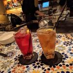 ヒジテツ - ドリンク写真:クランベリージュース&ジンジャーエール辛口 ←嬉しい❀