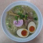 麺家 青空 - 煮干し塩ラーメン 煮玉子入り