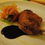 11832966 - ビュルゴー家 シャラン鴨 骨付きモモ肉のコンフィ 春野菜のサラダ添え