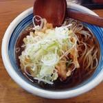 蕎麦や はないち - かき揚げそば(¥400)