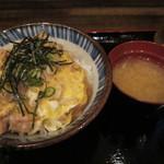 浪花屋 鳥造  - 料理写真:親子丼600円