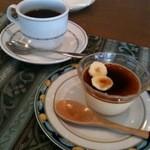11833515 - デザートとブレンドコーヒー