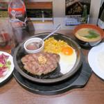 いきなりステーキ - モーニングワイルドハンバーグ150g 680円。
