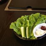 九州焼肉 伊万里 - サンチェ350円