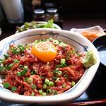 yonezawagyuuyakinikukotora - 料理写真:炙りユッケ丼