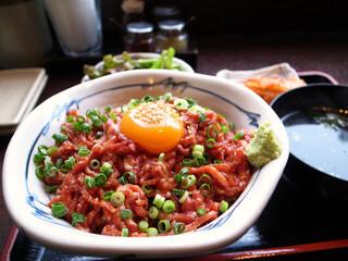 米沢牛焼肉 仔虎 仙台駅前店 - 炙りユッケ丼