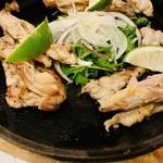 うろたんけ - 鶏せせりの黒胡椒焼き