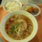 国際ロッジ バンビーナ - …で、選んだのは『尾道ラーメン定食(1,000円)』