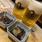 魚八&串八珍 - いつものビール&お通しのナス