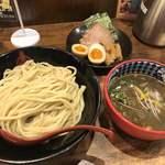 三田製麺所 - 特濃煮干しつけ麺 大盛 三田盛り