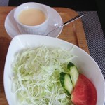 くまキッチン - サラダとプリン