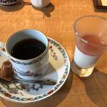 一休 - デザート、豆腐のグラタンとコーヒー
